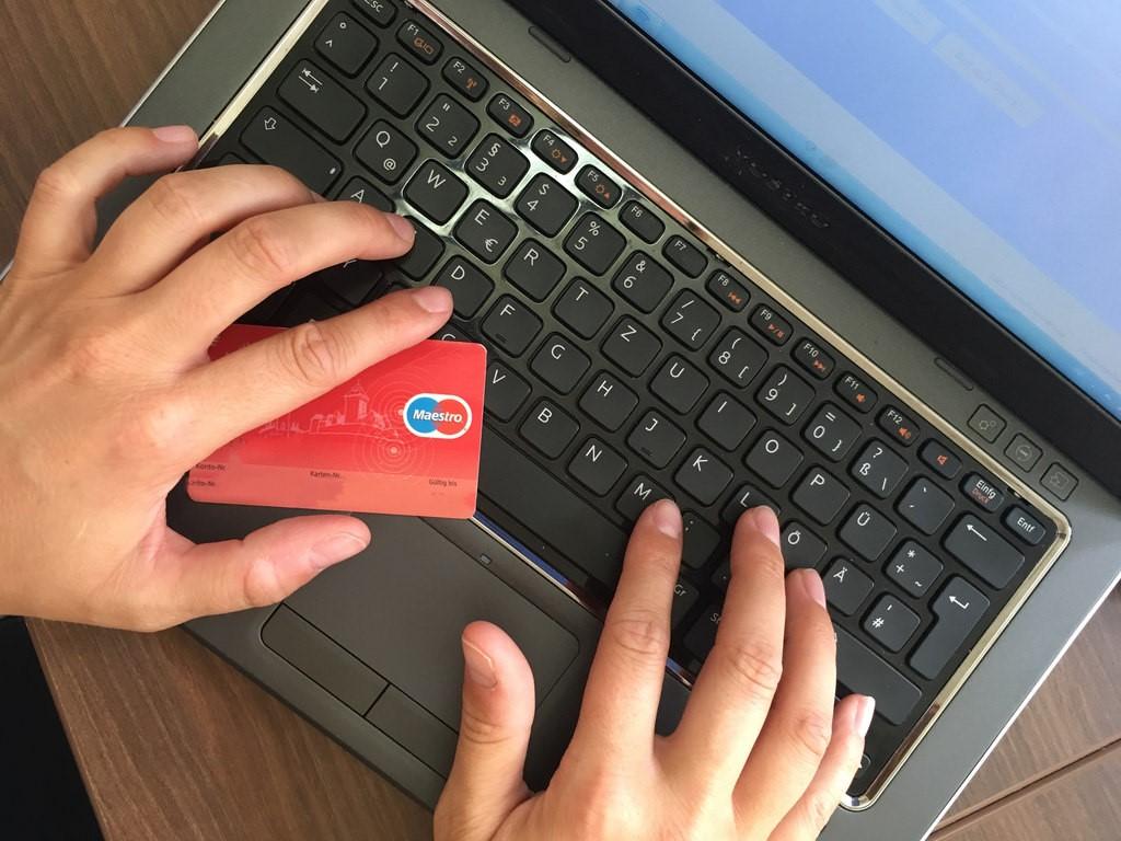 E-commerce sites that use Feedify